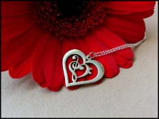 925 Sterling Silver Treble & Bass Clef Heart Pendant